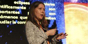 Astrofísica Angie Barr: «Invito a la comunidad a vivir la experiencia del eclipse de forma personal y en familia»