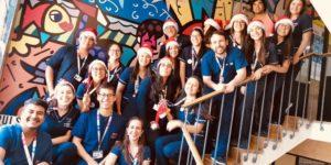 U. Autónoma llevó fiesta navideña a niños en Hospital de Linares