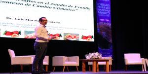 CongresoFuturo: Investigador expuso sobre el cultivo de frutilla en contexto de cambio climático