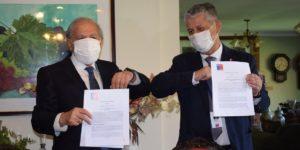 U. Autónoma y SSM oficializan acuerdo para uso de laboratorio universitario en detección de COVID-19