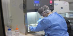 Laboratorios de la Universidad Autónoma de Chile han analizado más de 12000 muestras PCR